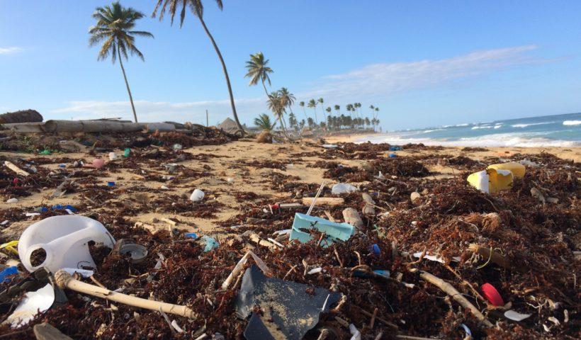 Пластик в океані