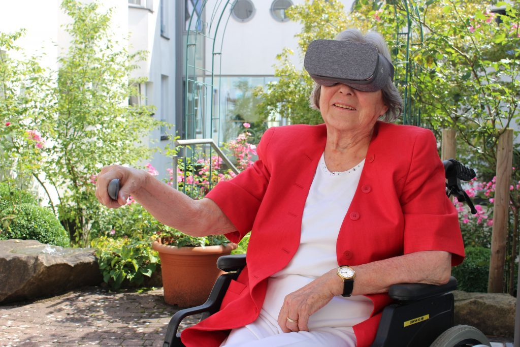 Тренажер виртуальной реальности Rehago для людей после инсульта