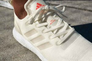 Кроссовки Adidas из пластика