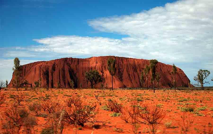 Гора-монолит Айерс-Рок в Австралии
