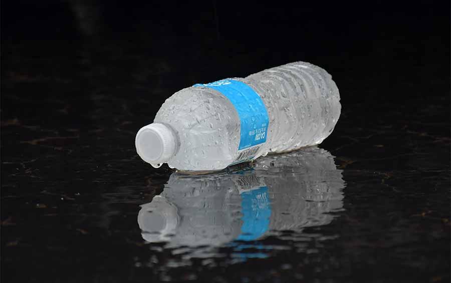 Пластиковая бутылка