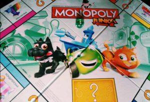 настольная игра Монополия от Hasbro